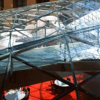 Glass innovations and contemporary glass art at pariser platz
